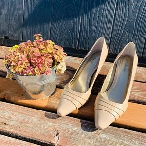Kelly & Katie Cream Beige Heels 10